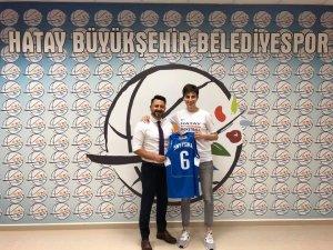 Hatay Büyükşehir Belediyesi, Snytsina ile 1 yıllık sözleşme imzaladı