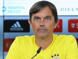 Fenerbahçe Teknik Direktörü Cocu: Turu geçen taraf olmak istiyoruz