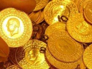 Altın, dolarla birlikte zirve yaptı
