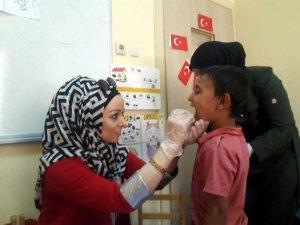 Suriyeli çocuklar sağlık taramasından geçirildi