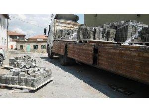 Arguvan'da parke taşı döşeme çalışmaları