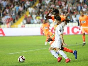 Spor Toto Süper Lig: Demir Grup Sivasspor: 0 - Aytemiz Alanyaspor: 0 (İlk yarı)