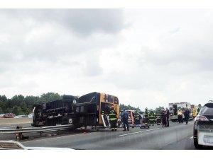 ABD'de okul otobüsü devrildi: 20 çocuk yaralı