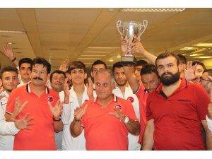 Avrupa Şampiyonu milliler İstanbul'a geldi