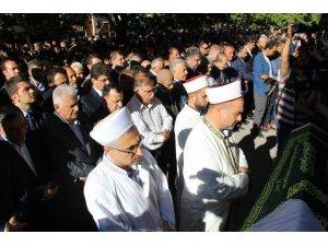 Eski Milli Eğitim Bakanı Yılmaz'ın acı günü