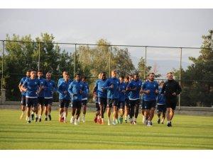 """Altıparmak: """"Hiçbir kulüpten çekinmiyoruz, kazanmak için sahaya çıkacağız"""""""