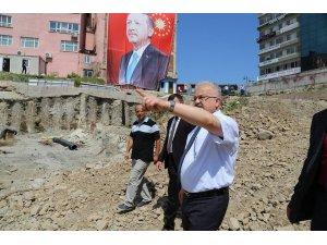15 Temmuz Demokrasi ve Cumhuriyet Meydanı Projesi'nin çalışmalarını yerinde inceledi