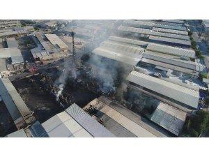 Büyük yangının zararı havadan görüntülendi