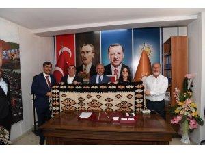 """AK Parti Genel Başkkan Yardımcısı Sarıeroğlu: """"Bu coğrafyada halen varlığımızı sürdürebiliyorsak, bunu zafere borçluyuz"""""""