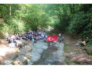 Kayalıdere Şelaleleri ziyaretçi akınına uğruyor