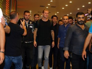 Loris Karius, Beşiktaş için İstanbul'da