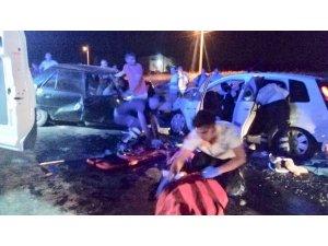 Uşak'ta trafik kazası: 2 ölü, 6 yaralı