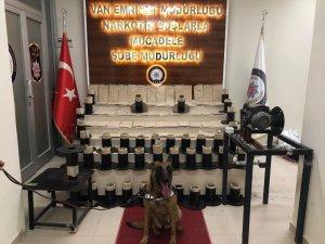 Van'da elektrik makaralarının içerisinde 32 kilo eroin ele geçirildi