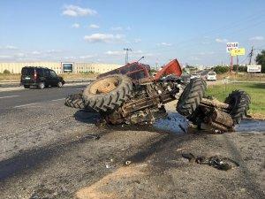 Traktörün ikiye ayrıldığı kaza kamerada