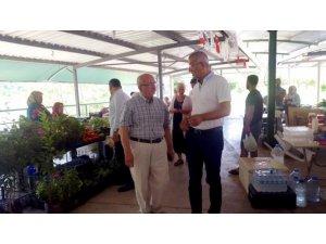 Başkan Albayrak, Mersin'de Kadın Üretici Pazarında incelemelerde bulundu