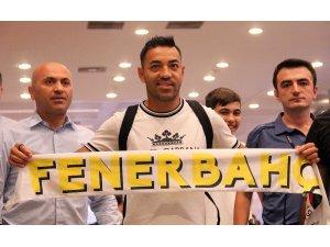 Marco Fabian, Fenerbahçe için İstanbul'da
