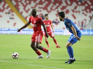 Spor Toto Süper Lig: Demir Grup Sivasspor: 0 - Kasımpaşa: 1 (İlk yarı)