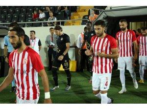 Spor Toto 1. Lig: Balıkesirspor Baltok: 0 - Osmanlıspor: 3