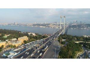Bayramı tatili dönüşü trafik yoğunluğu