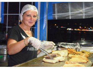 Didim'de balık ekmeğe yoğun ilgi