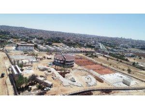 Gaziantep Büyükşehir'den tenis kompleksi