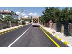 Tuşba Belediyesi asfalt çalışmasını 2 koldan yürütüyor
