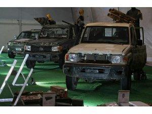 Rusya, DEAŞ'tan ele geçirdiği silahları sergiledi