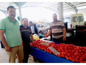 Bilinçli üretim yapan domates üreticisi fungal hastalığından etkilenmedi