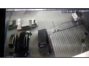 Otomobilin bagajını düzenlerken ölümden döndü