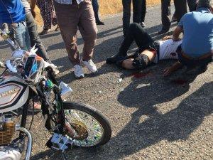 Gercüş'te kamyonet ile motosiklet çarpıştı: 2 yaralı