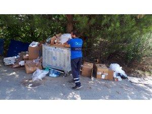 """İzmit Belediyesi'nden uyarı: """"Mavi konteynerler geri dönüşüm için"""""""