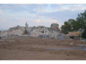Ağrı'da belediye binasının yıkımı tamamlandı