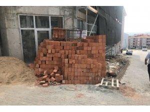 Zabıta ekiplerinden güvenliği hiçe sayan inşaatlara yaptırım