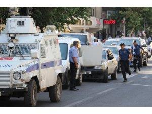 Diyarbakır'da iki aile arasında arazi kavgası: 4'ü ağır 10 yaralı