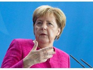 """Almanya Başbakanı Merkel: """"Korkunç bir olay. Almanya'da sokaklarda nefrete yer yok"""""""