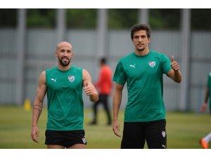 Bursaspor'un yeni transferleri ilk idmanına çıktı