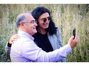"""Ünlü şarkıcı Murat Kekilli: """"Trafik ve gürültüden uzak, yaylada huzuru buldum"""""""
