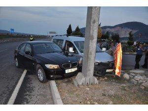 Manisa'da otomobiller çarpıştı: 2 yaralı