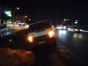 Yoldan çıkan alkollü sürücü, polis ekiplerine zor anlar yaşattı