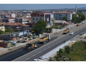 Edirne Caddesi'nin yarısı tamam sıra diğer yarısında