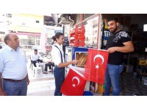 Sarıgöl CHP İlçe Teşkilatından bayrak kampanyası