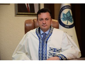 ESOGÜ Rektörü Prof. Dr. Şenocak Zafer Bayramı'nı kutladı