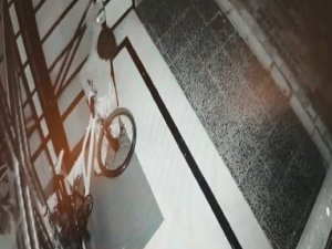 Bisiklet hırsızları kamerada