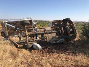 Tarım işçilerini taşıyan kamyonet takla attı: 1 ölü, 4 yaralı