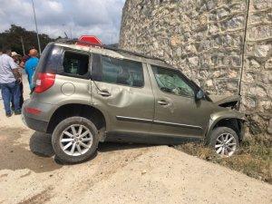Samsun'da otomobil duvara çarptı: 1 yaralı