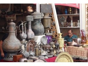 Yüzlerce yıllık Osmanlı giysileri Antika Festivali'nde görücüye çıktı
