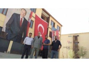 Durankaya Türk bayrakları ile süslendi