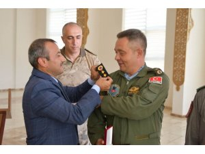 Tunceli'de 56 jandarma personeli yeni rütbesini törenle taktı