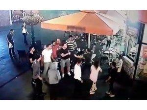 Gaziosmanpaşa'da AVM'de satırlı saldırgan dehşeti