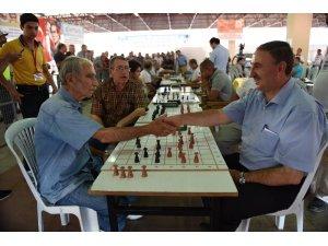 Damacılar Mustafakemalpaşa'da buluşuyor